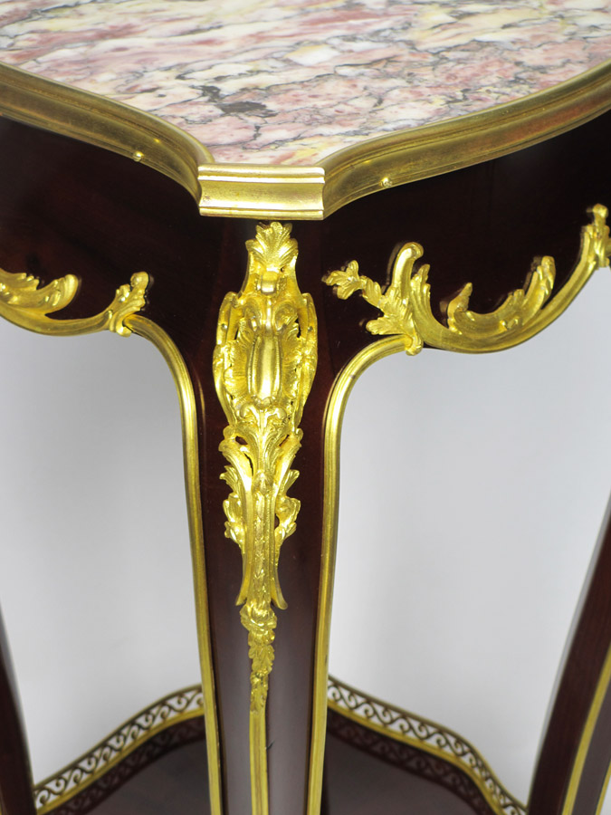 A Fine French 19th 20th Century Louis Xv Style Mmahogany